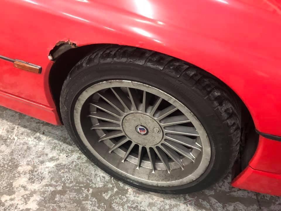 BMW 850 Re-Spray